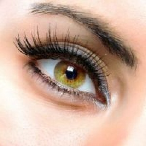 How to glue false eyelashes?